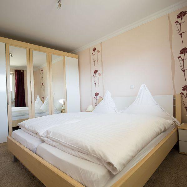 Ferienwohnungen Willingen-Wohnung1-Schlafzimmer