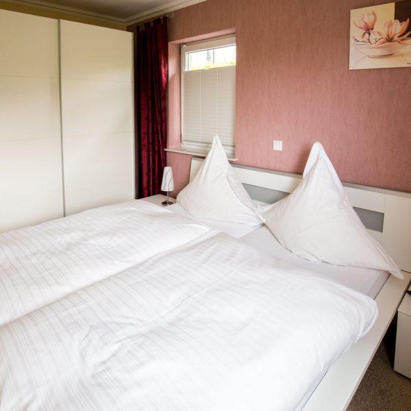 Ferienwohnungen Willingen-Wohnung2-Schlafzimmer-2