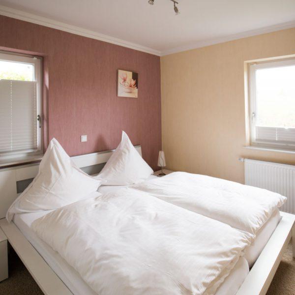 Ferienwohnungen Willingen-Wohnung2-Schlafzimmer
